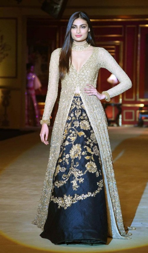 Yay or Nay? Athiya Shetty walks the ramp as a showstopper for Shyamal & Bhumika's fashion show during the India Couture Week held in Delhi - SeenIt