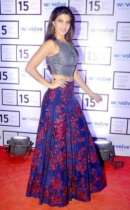 00ffab75d9 looking for a similar navy blue striped crop top and floral maxi skirt that  Jacqueline Fernandez