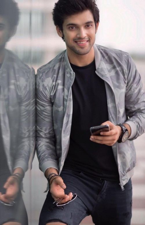 Latest parthsamthaan looks and outfits online