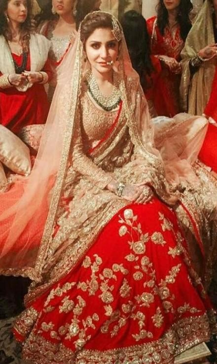 Where can i get the similar look of #channamereya..Anushka's red embroidered lehenga..I want it exactly similar...also the jewellary - SeenIt