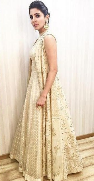 I am looking for a similar gown what anushka sharma is wearing in the ae dil hai mushkil promotions - SeenIt
