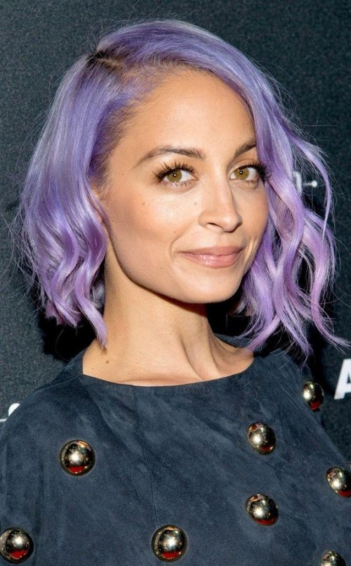Want this nude lipstick which Nicole Richie is wearing - SeenIt