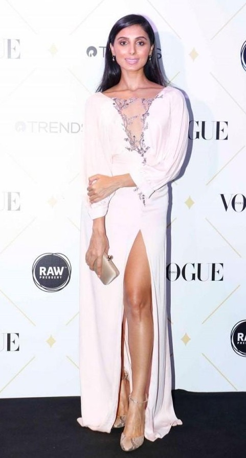 Yay or Nay? Pernia Qureshi spotted in Pernia Qureshi label at the Vogue Beauty Awards 2017 - SeenIt