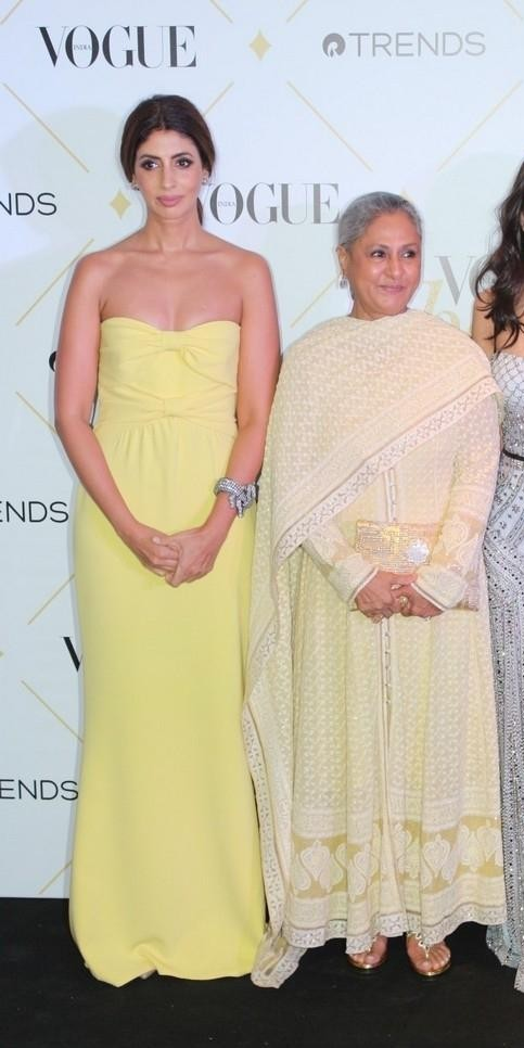 Yay or Nay? Shweta Nanda spotted in a strapless yellow gown with mother Jaya Bachchan at the Vogue Beauty Awards 2017 - SeenIt