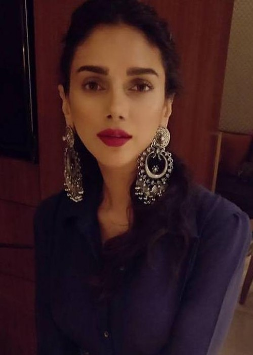 Looking for the silver statement earrings that Aditi Rao Hydari is wearing - SeenIt