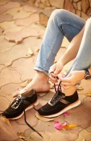 Help me find these black suede sneakers please. - SeenIt