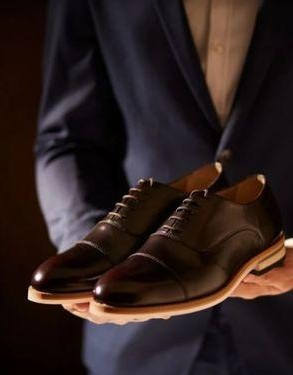 Looking for these black and burgundy oxford shoes online!! - SeenIt
