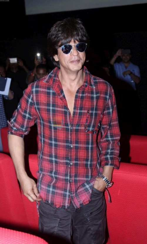 Looking for this red and blue tartan checked shirt that Shahrukh Khan is wearing.specifically...same colour ....can u help me find this one - SeenIt