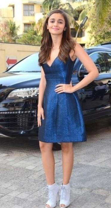 i am looking for this same blue vneck dress which Alia Bhatt is wearing - SeenIt