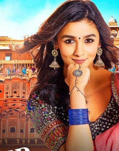 Hi! I'm looking for a similar hand chain/hand harness/panja to the one that Alia is wearing in this picture. She wore this in the song 'Aashiqui Surrender' - SeenIt