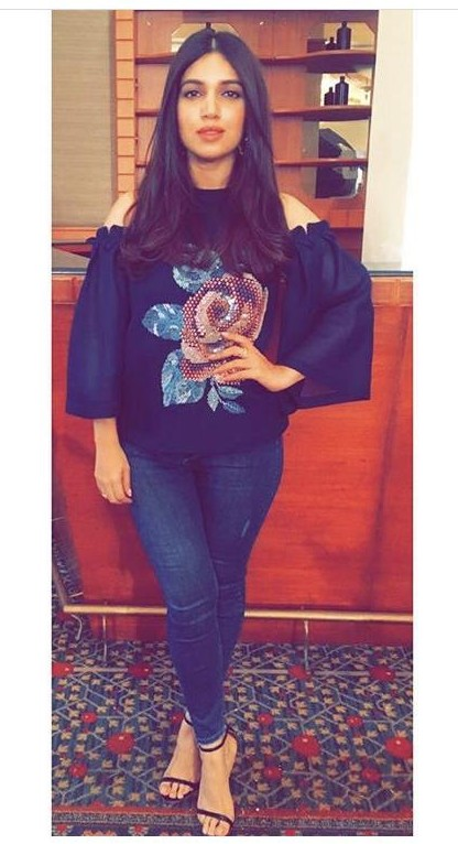 63269bc6432f Looking for a similar outfit that Bhumi Padnekar is seen wearing at the  promotions of her