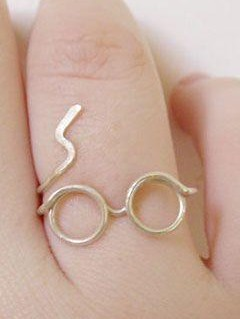 Looking for this Harry Potter ring. Domestic sites. - SeenIt