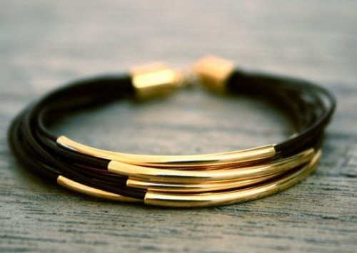 looking for golden bar bracelet - SeenIt