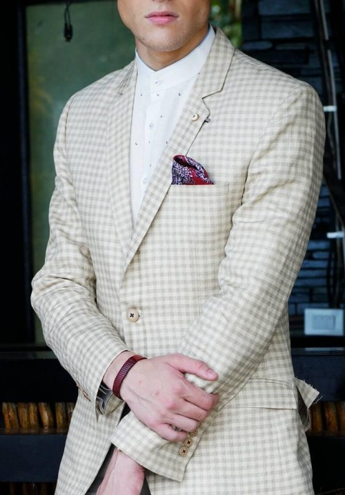 This beige checkered blazer is what I am looking for. - SeenIt