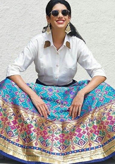 Where can I find this blue and pinki brocade maxi skirt? - SeenIt