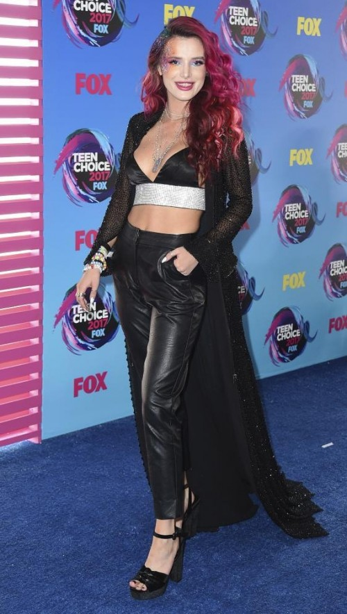 Yay or Nay? Bella Throne in a black bralette, leather pants and a black cape at the Teen Choice Awards - SeenIt