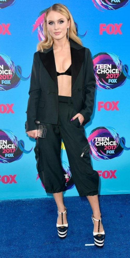 Yay or Nay? Zara Larsson in a black blazer and pants and a jet black bralet at the Teen Choice Awards - SeenIt