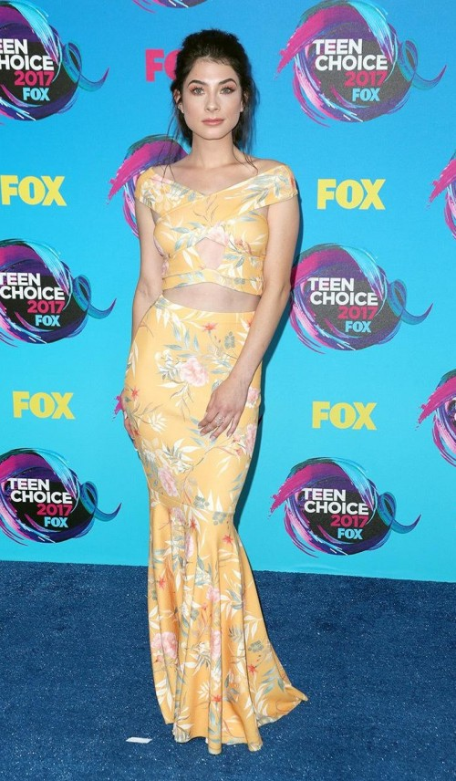 Yay or Nay? Nikki Koss in this yellow tropical print crop top and maxi mermaid skirt at the Teen Choice Awards. - SeenIt