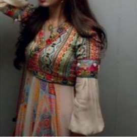 i'm looking for same outfit from sanam teri kasam - SeenIt