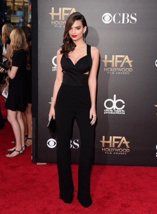 Where do I get this black cutout jumpsuit which emily ratajkowski is wearing . The bottom should be exactly like this. - SeenIt