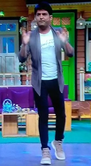 I am looking for the same outfit  which Kapil is wearing - SeenIt