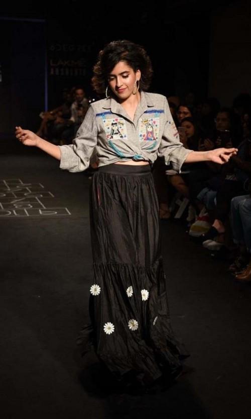 Yay or Nay? Sanya Malhotra walks the ramp for the Meraki Project show during the Lakme Fashion week 2017 - SeenIt