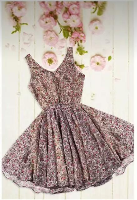 I'm looking for this pretty floral dress. - SeenIt