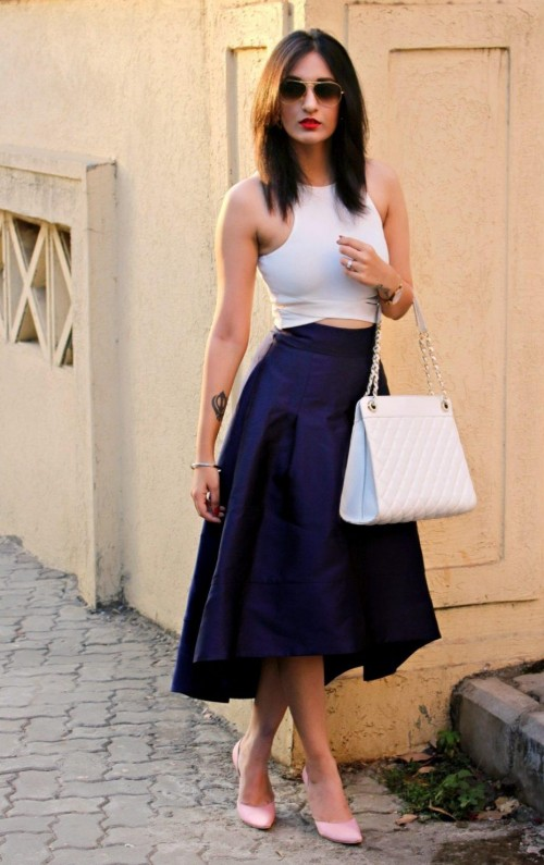 I am looking for a similar skirt in any color which thevogueamigo is wearing - SeenIt