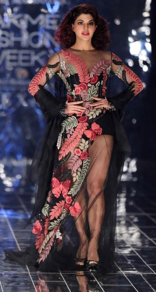 Yay or Nay? Jacqueline Fernandez as the showstopper for Manish Malhotra's finale show during the day 5 of Lakme Fashion Week - SeenIt