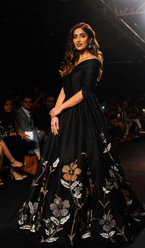 Seenit Lakme Fashion Week 2017 Ingenious Designs By Our Unconventional And Clever Designers Here Are The Looks You Shouldn T Miss From The Week That Was