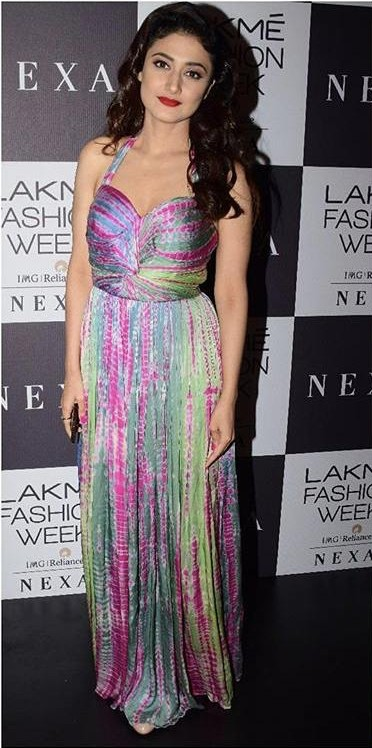 Yay or Nay? Ragini Khanna spotted in a Sonakshi Raaj outfit during the Lakme Fashion Week - SeenIt