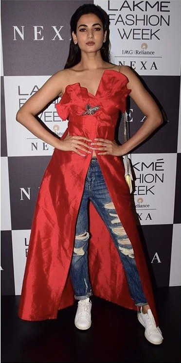 Yay or Nay? Sonal Chauhan spotted in a Sonakshi Raaj outfit during the Lakme Fashion Week - SeenIt