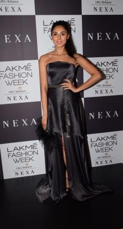 Yay or Nay? Pernia Qureshi wearing a black strapless gown to the Grand Finale by Manish Malhotra at the Lakme Fashion Week - SeenIt