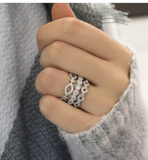 i m looking for a similar kind of a silver ring - SeenIt