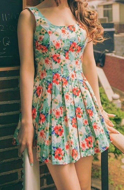 Looking for a similar floral short dress - SeenIt