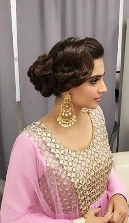 Looking for a similar chandbali as Sonam Kapoor is wearing - SeenIt