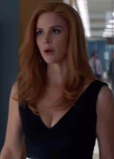 need a similar black plunge neck bodycon dress like Donna Paulsen is wearing. - SeenIt