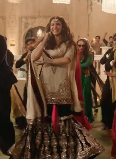 I want the same exact lehenga that was wore by anushka sharma in admh - SeenIt