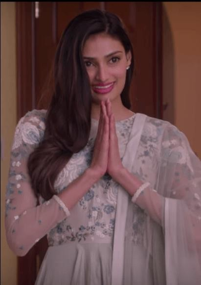 Want a similar embroidered anarkali like the one which Athiya Shetty is wearing in Mubarakan - SeenIt