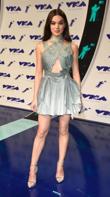 Yay or Nay? Hailee Steinfeld wearing a silver metallic cut out halter dress at the MTV Video Music awards 2017 last night - SeenIt