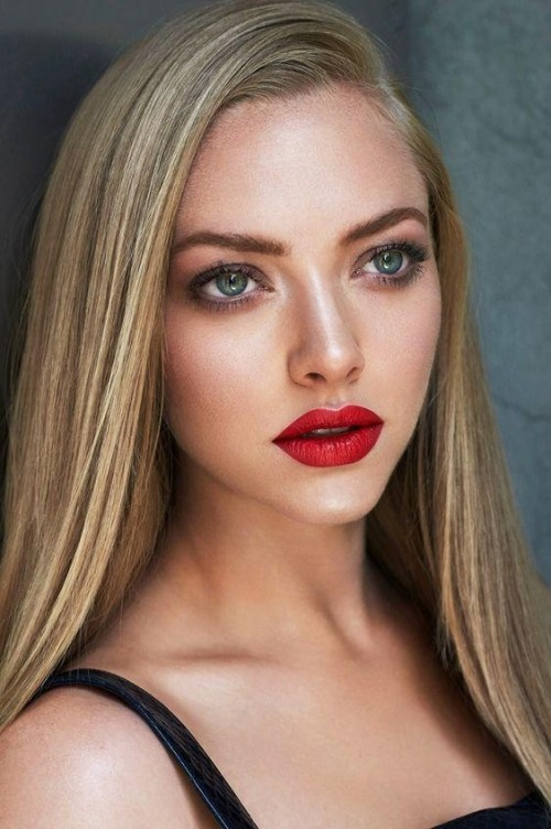 Looking for the similar lipstick as Amanda Seyfried - SeenIt