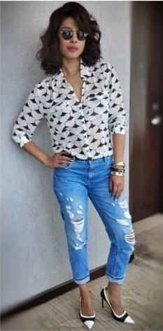 want the exact similar coloured distressed jeans like Priyanka Chopra is wearing ..indian sites plz - SeenIt