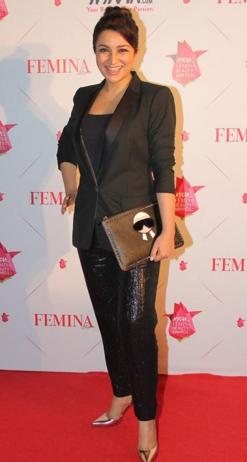 Tisca sporting a bold look in her Kate MossxTopshop separates with a funky Fendi clutch! Yaas! - SeenIt