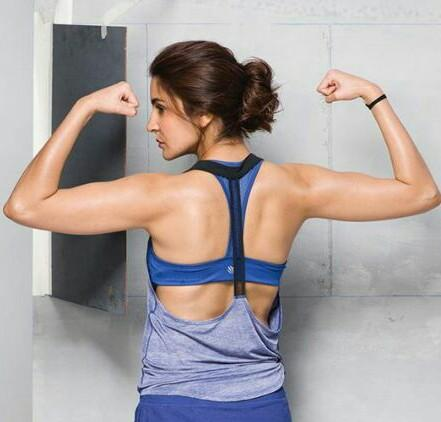 Want a similar tank top and blue sports bra - SeenIt