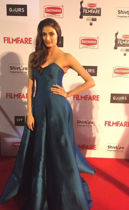 Athiya looking incredible in this Monisha Jaisingstrapless gown. Is she the new fashion icon? - SeenIt