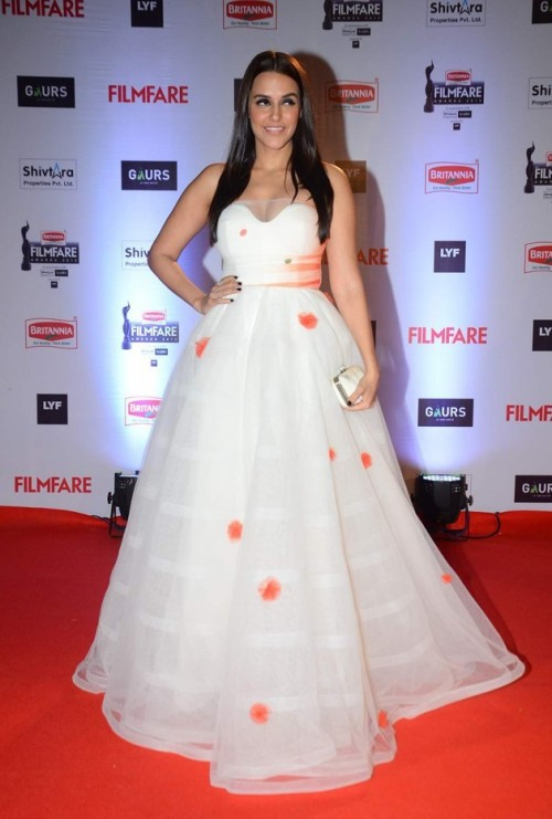 Oops! Did we see this already? Neha in a similar Gauri & Nainika gown as Aditi! Still gorgeous! - SeenIt