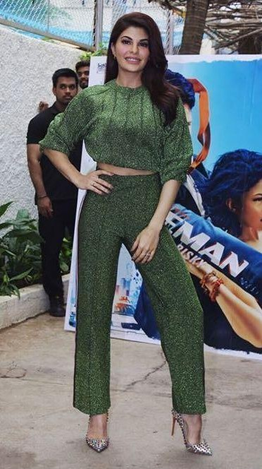 Want the Same crop top and pants that Jacqueline Fernandez is wearing. - SeenIt