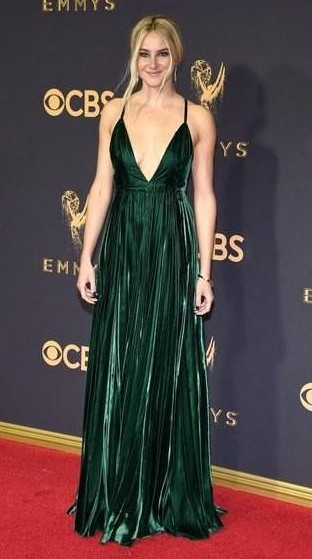 Yay or Nay? Shailene Woodley wearing a green plunge neck gown by Ralph Lauren at the Emmy awards last night - SeenIt