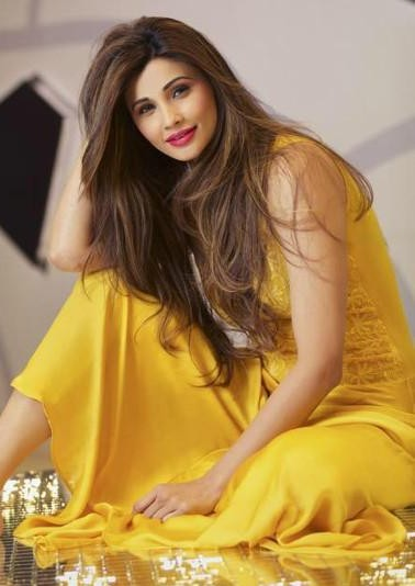 Looking for a similar yellow midi dress that Daisy Shah is wearing - SeenIt