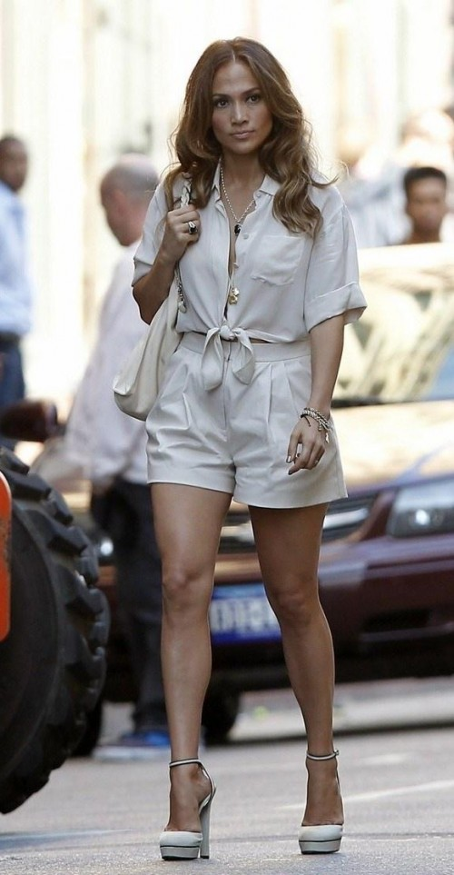 Help me find the white knotted top with shorts like the one Jennifer Lopez is wearing - SeenIt